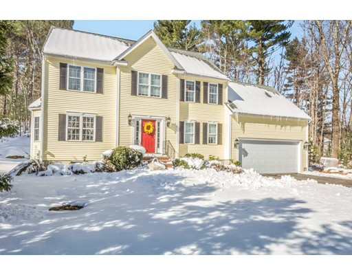 Single Family Home for Sale at 160 Newell Road 160 Newell Road Holden, Massachusetts 01520 United States