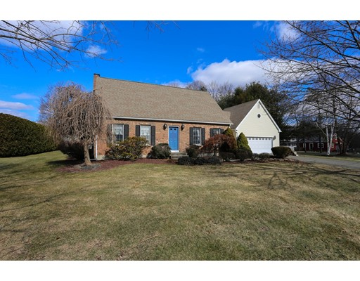 Single Family Home for Sale at 2 Pheasant Run 2 Pheasant Run South Hadley, Massachusetts 01075 United States