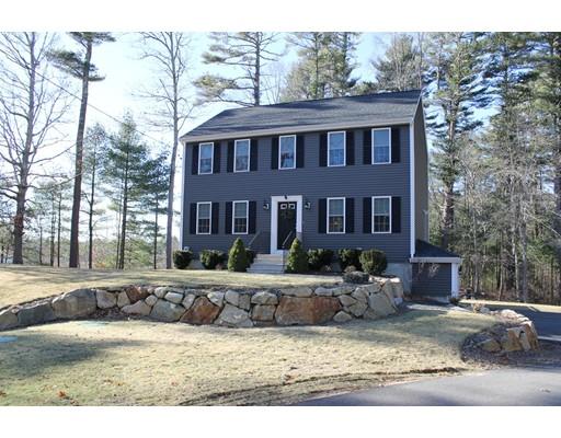 واحد منزل الأسرة للـ Sale في 110 High Street 110 High Street Carver, Massachusetts 02330 United States