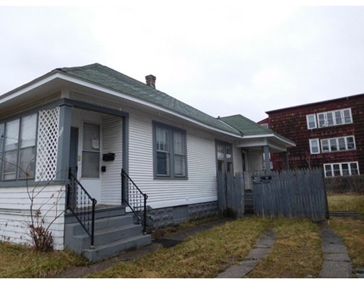Single Family Home for Sale at 1210 Grattan Street 1210 Grattan Street Chicopee, Massachusetts 01013 United States