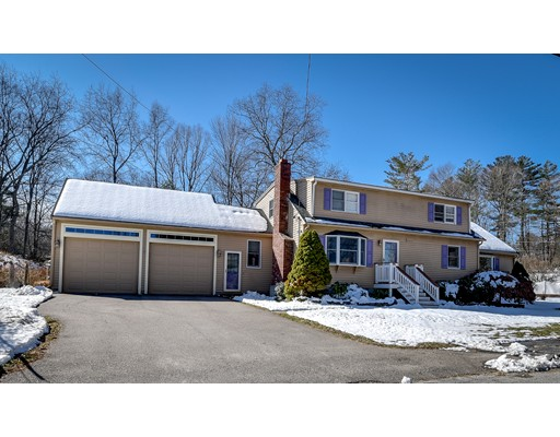 Single Family Home for Sale at 16 Brookside Road 16 Brookside Road Bellingham, Massachusetts 02019 United States