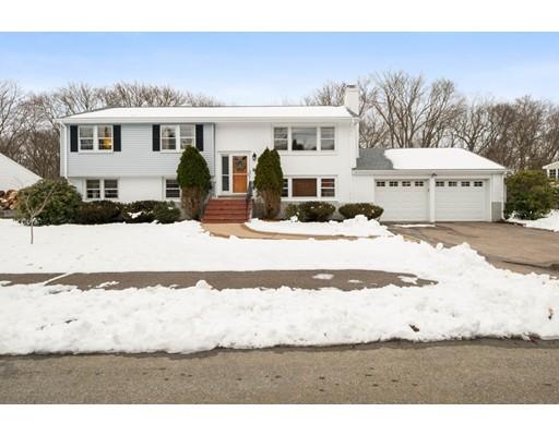 واحد منزل الأسرة للـ Sale في 62 Scott Circle 62 Scott Circle Dedham, Massachusetts 02026 United States