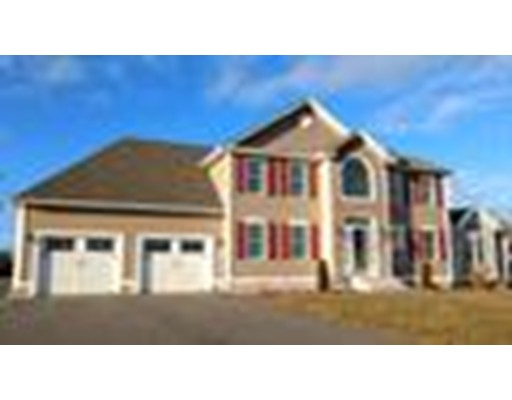 独户住宅 为 销售 在 11 Moose Hill Road 11 Moose Hill Road Hudson, 新罕布什尔州 03051 美国
