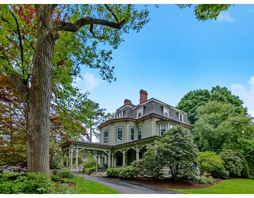 独户住宅 为 销售 在 129 Chestnut Street 129 Chestnut Street 牛顿, 马萨诸塞州 02465 美国