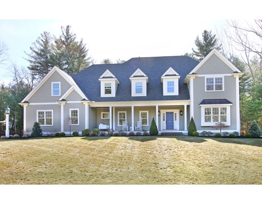 Single Family Home for Sale at 24 Arlington La Walpole, Massachusetts 02081 United States