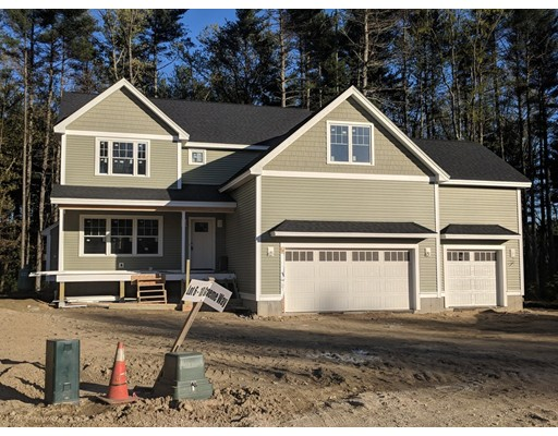 Single Family Home for Sale at 6 Graeme Way 6 Graeme Way Groveland, Massachusetts 01834 United States