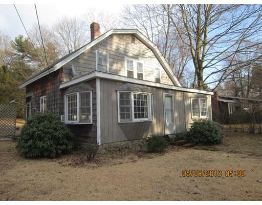Maison unifamiliale pour l Vente à 32 Lakeview Road 32 Lakeview Road Foxboro, Massachusetts 02035 États-Unis
