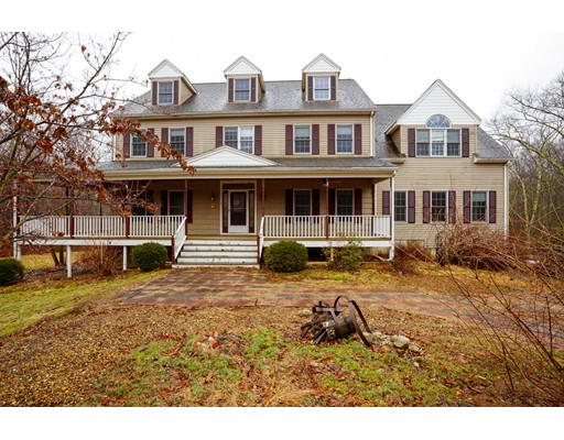 Single Family Home for Sale at 389 1/2 Central Street 389 1/2 Central Street Milford, Massachusetts 01757 United States