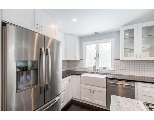 独户住宅 为 销售 在 438 Summer Street 北安德沃, 01845 美国