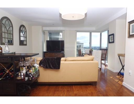 Picture 2 of 80 Broad Unit 1004 Boston Ma 2 Bedroom Condo