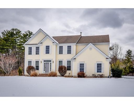 Maison unifamiliale pour l Vente à 1 Honeysuckle Circle 1 Honeysuckle Circle Hopkinton, Massachusetts 01748 États-Unis