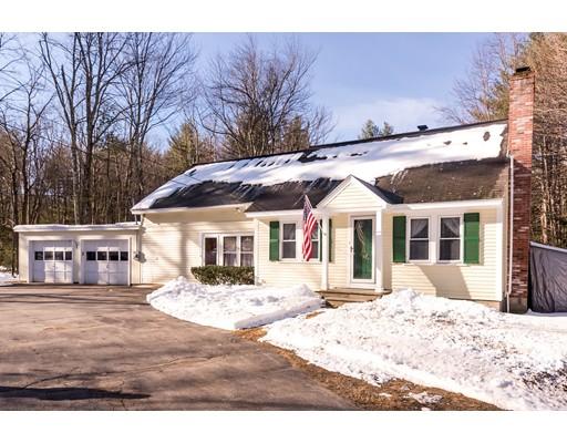Maison unifamiliale pour l Vente à 213 Fitchburg State Road 213 Fitchburg State Road Ashby, Massachusetts 01431 États-Unis