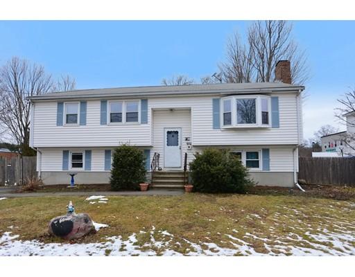 Maison unifamiliale pour l Vente à 2 Bradford Avenue 2 Bradford Avenue Foxboro, Massachusetts 02035 États-Unis