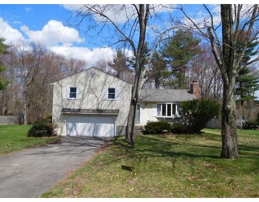 Частный односемейный дом для того Продажа на 81 Brynmawr Drive 81 Brynmawr Drive East Longmeadow, Массачусетс 01028 Соединенные Штаты