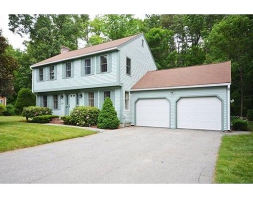 واحد منزل الأسرة للـ Sale في 19 Lynne Avenue 19 Lynne Avenue Tyngsborough, Massachusetts 01879 United States