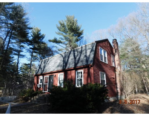 Casa Unifamiliar por un Venta en 157 Beach Street 157 Beach Street Wrentham, Massachusetts 02093 Estados Unidos