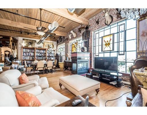 共管式独立产权公寓 为 销售 在 491 Dutton Street 491 Dutton Street Lowell, 马萨诸塞州 01854 美国