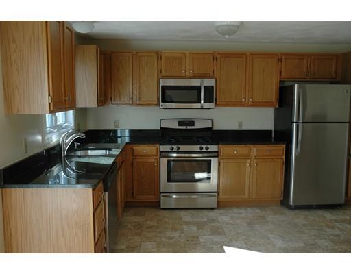 Casa Unifamiliar por un Alquiler en 2 Carriage Lane 2 Carriage Lane Shirley, Massachusetts 01464 Estados Unidos