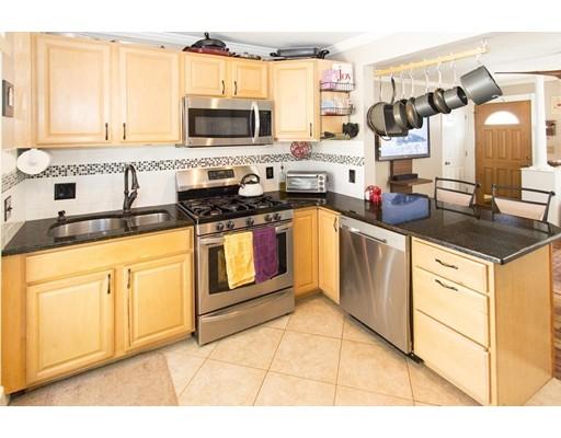 獨棟家庭住宅 為 出售 在 11 Anderson Road 11 Anderson Road Framingham, 麻塞諸塞州 01701 美國