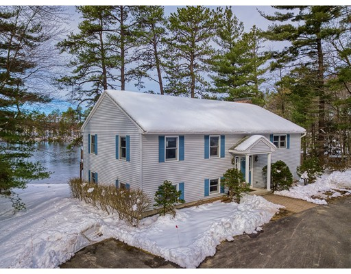 Casa Unifamiliar por un Venta en 226 Sunset Lane 226 Sunset Lane Lunenburg, Massachusetts 01462 Estados Unidos