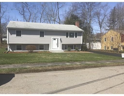 獨棟家庭住宅 為 出售 在 11 Cunningham Drive 11 Cunningham Drive Framingham, 麻塞諸塞州 01701 美國