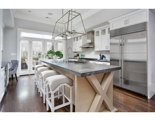 Condominio por un Venta en 144 Warren Ave #2 144 Warren Ave #2 Boston, Massachusetts 02116 Estados Unidos