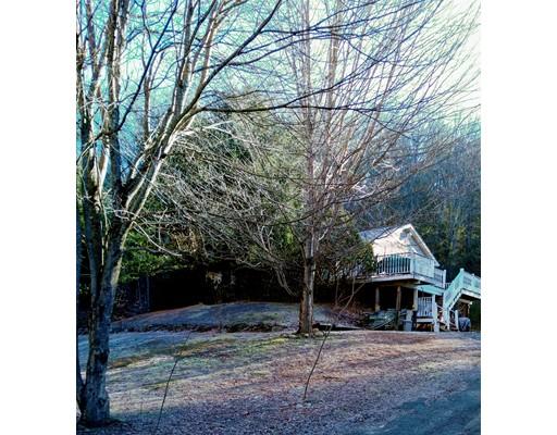 Частный односемейный дом для того Продажа на 171 Worthington Road 171 Worthington Road Huntington, Массачусетс 01050 Соединенные Штаты
