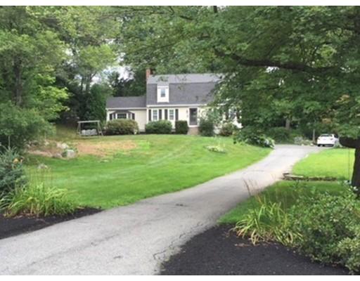 Maison unifamiliale pour l Vente à 12 Teresa Road 12 Teresa Road Hopkinton, Massachusetts 01748 États-Unis