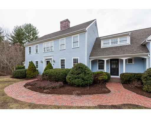 独户住宅 为 销售 在 10 Lyman Street 10 Lyman Street 达克斯伯里, 马萨诸塞州 02332 美国
