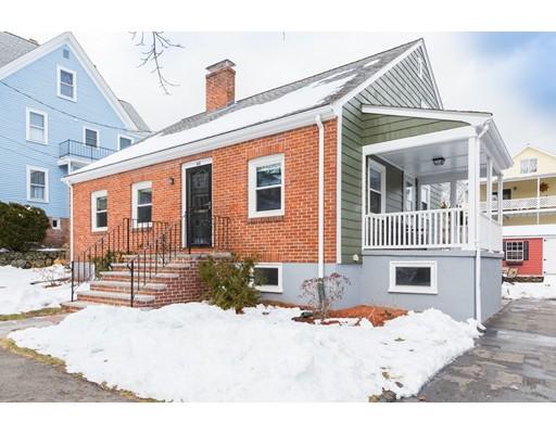 واحد منزل الأسرة للـ Sale في 44 Aberdeen Road 44 Aberdeen Road Arlington, Massachusetts 02476 United States