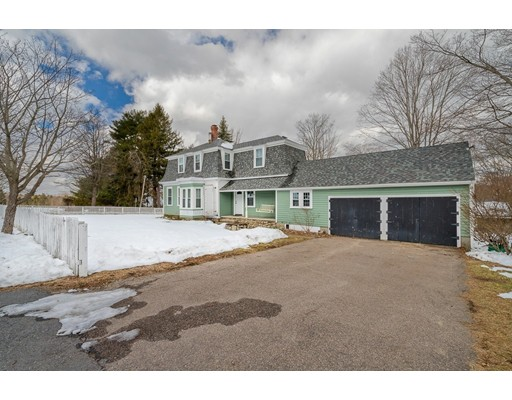 Single Family Home for Sale at 32 Oak Hill Road Southborough, 01772 United States