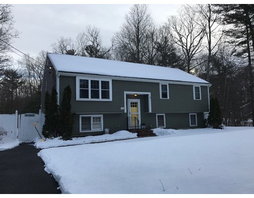 Single Family Home for Sale at 1550 Plymouth Street 1550 Plymouth Street East Bridgewater, Massachusetts 02333 United States