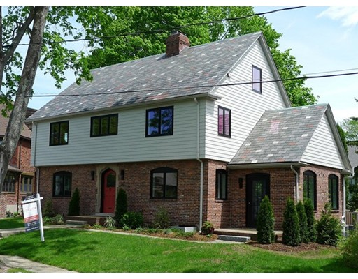 Casa Unifamiliar por un Venta en 15 Indian Hill Road 15 Indian Hill Road Belmont, Massachusetts 02478 Estados Unidos