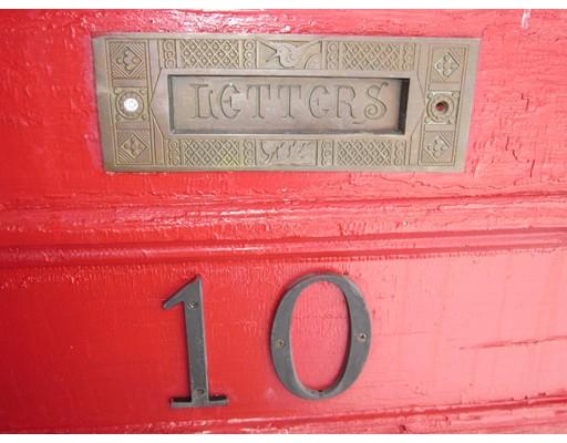 Maison unifamiliale pour l Vente à 10 Lovewell Street 10 Lovewell Street Gardner, Massachusetts 01440 États-Unis