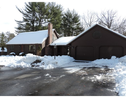 واحد منزل الأسرة للـ Sale في 109 Hardy Street 109 Hardy Street Dunstable, Massachusetts 01827 United States