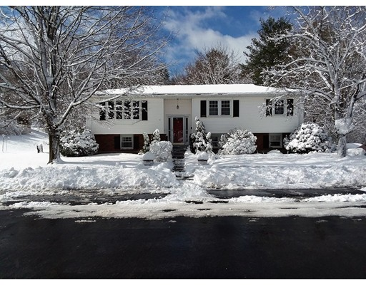 Single Family Home for Sale at 47 Robbie Road 47 Robbie Road Braintree, Massachusetts 02184 United States