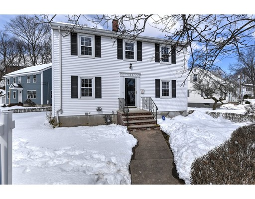 Single Family Home for Sale at 105 Westmoor Road 105 Westmoor Road Boston, Massachusetts 02132 United States