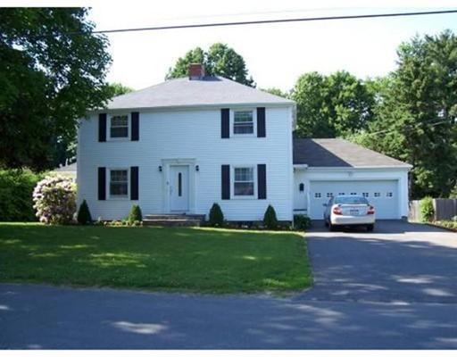 Single Family Home for Rent at 31 Winter Lane 31 Winter Lane Framingham, Massachusetts 01702 United States