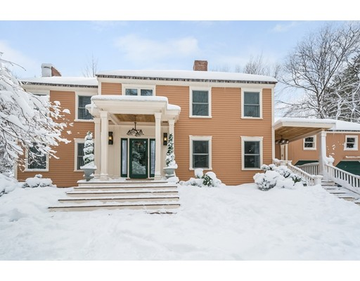 Casa Unifamiliar por un Venta en 8 Meadow Road 8 Meadow Road Bolton, Massachusetts 01740 Estados Unidos
