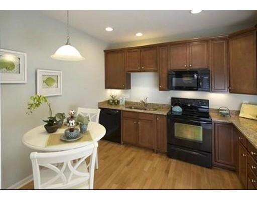 共管式独立产权公寓 为 出租 在 422 John Mahar Hwy #103 422 John Mahar Hwy #103 Braintree, 马萨诸塞州 02184 美国