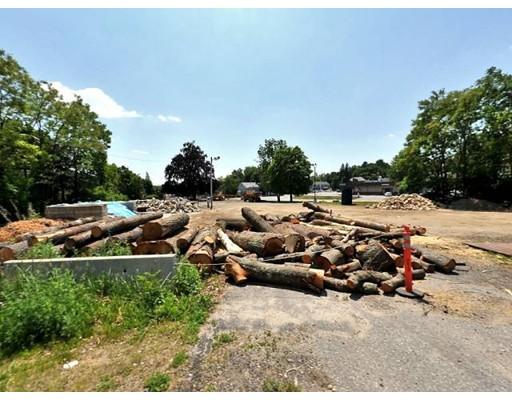 Terrain pour l Vente à 1401 Main St & 33 Apricot 1401 Main St & 33 Apricot Worcester, Massachusetts 01603 États-Unis