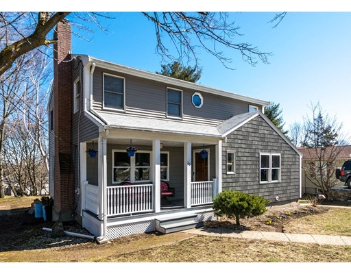 Single Family Home for Sale at 110 WARWICK AVENUE 110 WARWICK AVENUE Waltham, Massachusetts 02452 United States