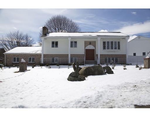 Частный односемейный дом для того Продажа на 1 Birchtree Drive 1 Birchtree Drive Johnston, Род-Айленд 02919 Соединенные Штаты