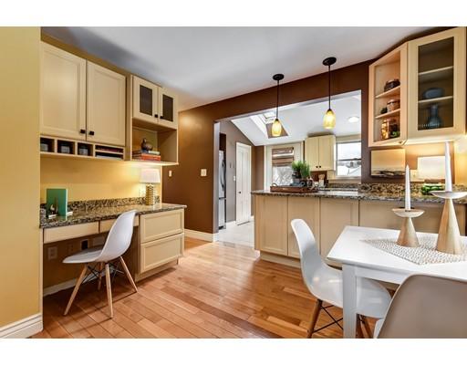 واحد منزل الأسرة للـ Sale في 54 Gainsville Road 54 Gainsville Road Dedham, Massachusetts 02026 United States