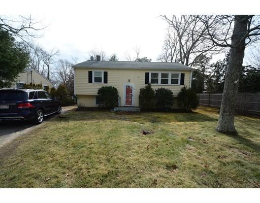 واحد منزل الأسرة للـ Sale في 31 Winchester Drive 31 Winchester Drive Falmouth, Massachusetts 02536 United States