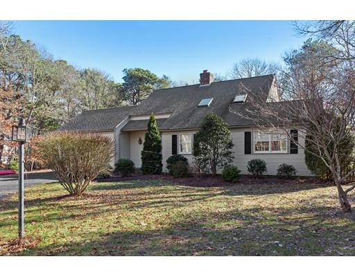 Maison unifamiliale pour l Vente à 583 Whistleberry 583 Whistleberry Barnstable, Massachusetts 02648 États-Unis