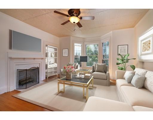 واحد منزل الأسرة للـ Sale في 82 Court Street 82 Court Street Dedham, Massachusetts 02026 United States