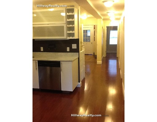 شقة للـ Rent في 191 Everett #1 191 Everett #1 Boston, Massachusetts 02128 United States