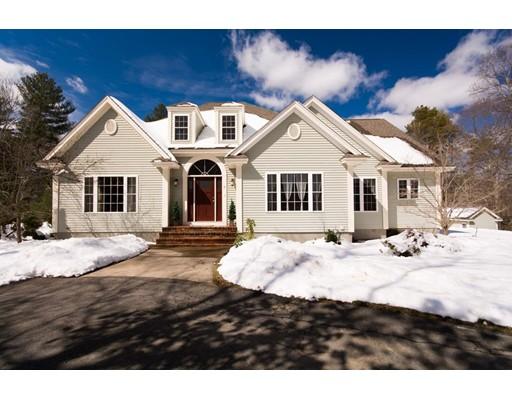 Maison unifamiliale pour l Vente à 2 Briarwood Lane 2 Briarwood Lane Berkley, Massachusetts 02779 États-Unis