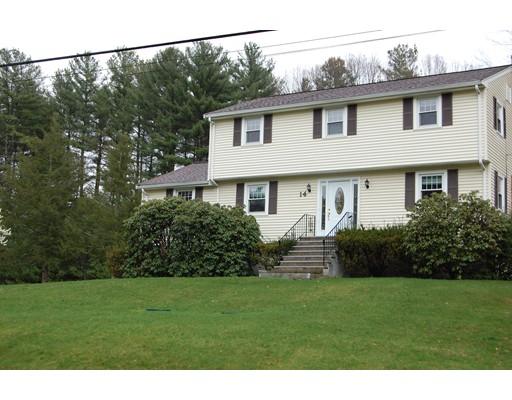 Maison unifamiliale pour l Vente à 14 Palmer Drive 14 Palmer Drive Canton, Massachusetts 02021 États-Unis